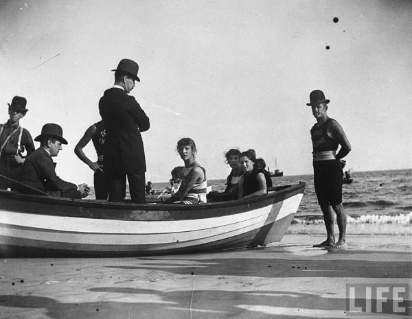 coney_boat
